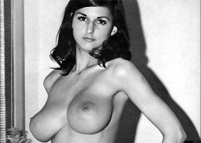 昔の巨乳は間違いなく天然!豊胸もないモノクロ写真時代のヌード画像